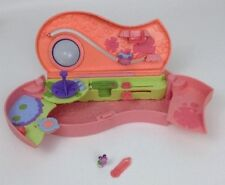 Littlest Pet Shop Teeniest Tiniest Pencil Case Playset w  Pet   Clip Mattel  2007 9fda97cb22d56