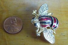 ADORABLE GOLDTONE & PAINT BEE BUG FLYING INSECT   BROOCH PIN