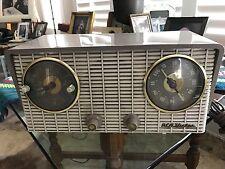 RCA Victor Clock Radio Model# 4-C-671 Works 1950's
