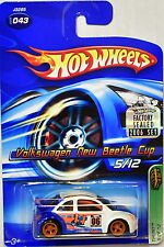 HOT WHEELS 2006 TREASURE HUNT VOLKSWAGEN NEW BEETLE CUP #043 FACTORY SEALED