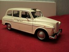 Welly Austin FX4 London Taxi Cab  1/24 scale new no box white exterior
