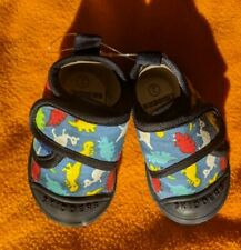 Skidders Baby Toddler Boys Canvas Walking Shoes dinosaur Size 2 NWT
