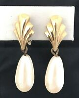 Vintage Monet Earrings Gold Tone Simulated Pearl Estate Retro 1F