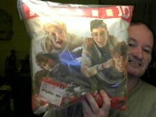 MUSIC GROUP ONE DIRECTION CUSHION GREAT GIFT ! FREE UK POST