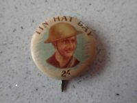 WW2 Era TIN HAT DAY BADGE PIN   ( M)