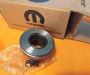 NOS Mopar A833 18-Spline Clutch Release Throw-out Bearing Hemi 440 GTX R/T Cuda