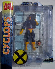 MARVEL SELECT CYCLOPS SPECIAL COLLECTOR EDITION ACTION FIGURE. DETAILED BASE