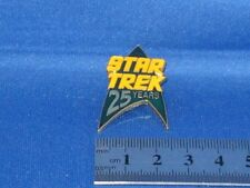 Star Trek 25 Years Green Arrowhead Pin Badge STPIN215G