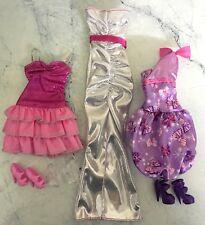 Lot Vêtements et Chaussures pour poupée BARBIE- Lot n° 32