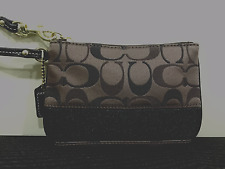 COACH WRISTLET -  SIGNATURE STRIPE  C SATEEN SMALL WRISTLET DARK BROWN