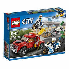 Lego City TOW TRUCK TROUBLE 60137 Brand new & Sealed