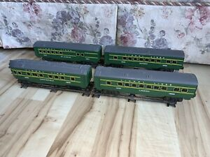 Lionel Electric Trains 6-16027, 6-16028, 6-16029, 6-16030 Green Passenger Cars.