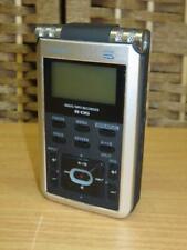 Roland R-05 Digital Multi Track Recorder Audio w / 32Gb memory card Mint
