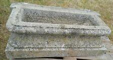 jardinière en granit ou bassin de fontaine ancien