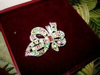 Lovely vintage  silvertone glass floral design brooch