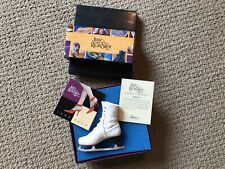 Just The Right Shoe Figure 8 Iceskate with Clear Display Stand Raine 2001 Nib
