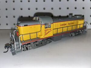 Kato HO Scale Also RS-2 Union Pacific Unnumbered 37-2505 DC