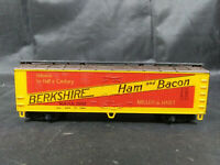 RoCo BERKSHIRE HAM & BACON Red REEFER BOX CAR HO SCALE TRAIN + BOX. VINTAGE