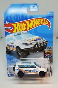 Hot Wheels Treasure Hunt Chrysler Pacifica 21 J Case HW Metro 10/10 White