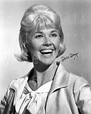 Doris Day signed photo 8X10 poster picture autograph RP