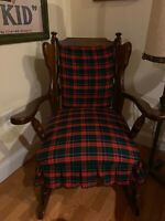 Antique/Vintage Solid Wood Rocking Chair