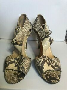 preowned Kate Spade Snakeskin Leather High Heel Shoe Size 7.5 blk/white