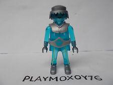 PLAYMOBIL. TIENDA PLAYMOXOY76. FIGURA DE ROBOT TRASLÚCIDO EN AZUL.