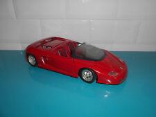 10.05.18.1 Voiture Ferrari Mythos 1/18 Revell