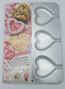 Wilton Heart Shaped Cookie Treat Pan (Circa 1995)