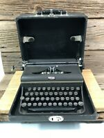 Vintage Antique ROYAL typewriter with CASE Nice Working Condition