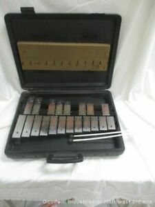 Musser Xylophone With Carrying Case (MB)