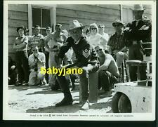 FRANK SINATRA VINTAGE 8X10 PHOTO 1961 CANDID ON SET OF SERGEANTS 3