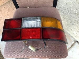 1983/85 PORSCHE 944  PASSENGER /SIDE REAR TAIL/LAMP ASSY / HARNESS