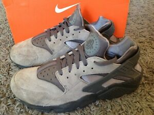 NIKE AIR HUARACHE (318429-082)COOL GREY ANTHRACITE MENS TRAINERS UK 8/42.5