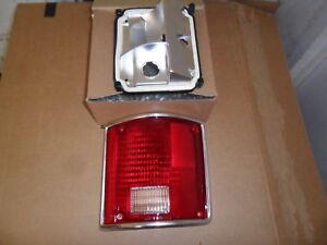 CHEVROLET GMC PICKUP TRUCK TAIL LIGHT LENS RH R w/ CHROME PASSENGER SIDE RIGHT