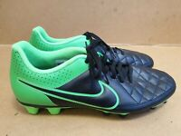 C839 MENS NIKE TIEMPO BLACK GREEN FOOTBALL BOOTS UK 10 EU 45 EX CONDITION