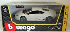 Modellini statici di auto, furgoni e camion bianco Burago