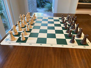 Wooden European Chess Set-including Number 6 Chessmen And Green Silicone Board