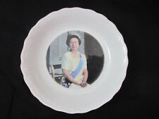 Queens fine bone china Rosina China Royal family Series Elizabeth II small dish