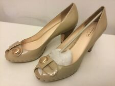 Coach Hanna Q562 Nude Patent Leather Peep Toe Button Pump New Size 8.5.