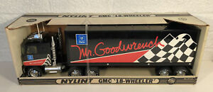 Nylint GMC GM Parts Mr. Goodwrench Tractor Trailer Semi Truck 18 Wheeler In Box