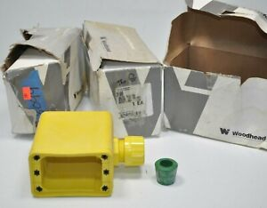 Lot of Woodhead 3099 Neotex Rubber Yellow Multiple Outlet Box Max-Loc Cord Grip