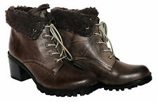 LADIES BROWN RUSTIC LOOK LACE UP ANKLE BOOT WITH GOOD TREAD SOLE IN SIZE 5