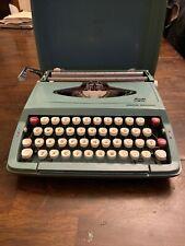 Smith Corona Corsair Deluxe Typewriter With Hard Case