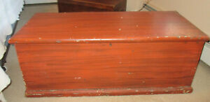 ANTIQUE PINE 6 BOARD GRAIN PAINTED BLANKET CHEST WITH ORIGINAL YELLOW PAINT
