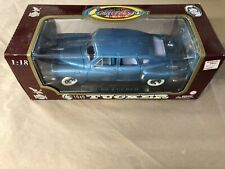 1948 Tucker Torpedo Sedan Car Auto & Display Stand 1:18 Yat Ming Road Legends A4