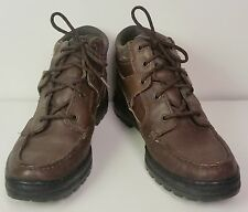 Womens Timberland hiking boots gortex 9 M