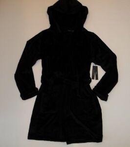 TAHARI Black Silky FLEECE Wrap ROBE HOODED Bathrobe w/ POCKETS Womens MEDIUM NEW