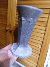 Vintage vase soliflore en fonte d'aluminium gravé JK ou JF  !!  art deco !!