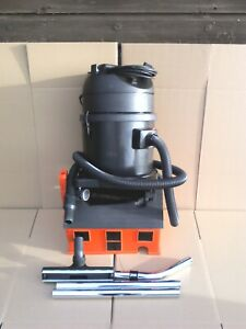 TMB Top P11 WD 11 litre Commercial Wet & Dry Vacuum Cleaner C/W Tools